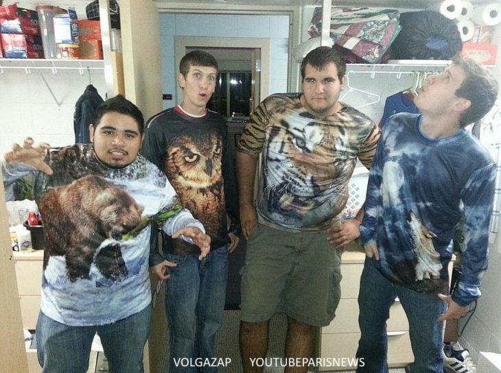 amigos con sudederas de animales salvajes