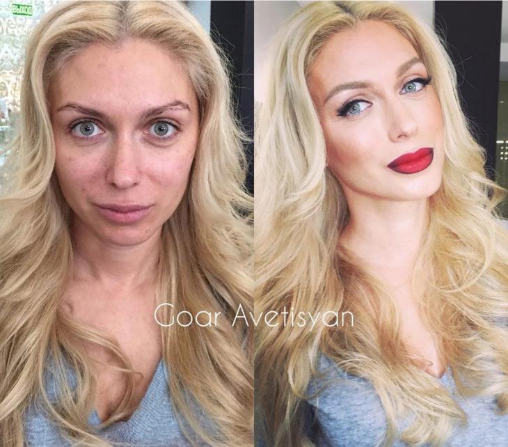 mujer rubia de ojos azules antes y después de maquillarse