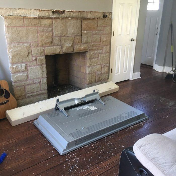 televisor en el piso