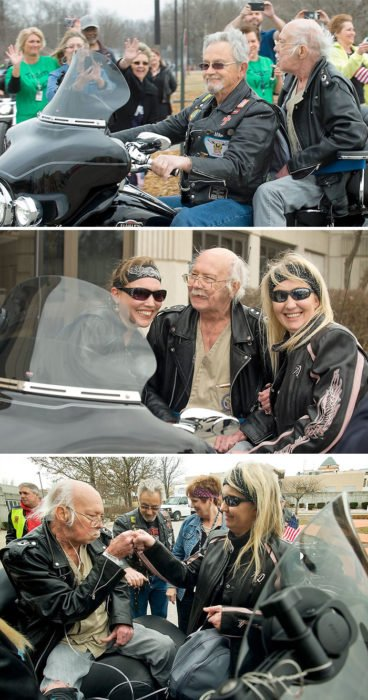 anciano paseando en moto