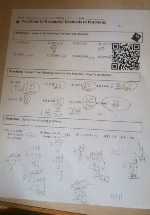 tareacon un código que te envía a un vídeo explicativo del maestro