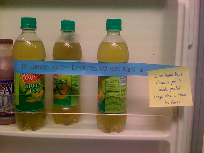 lipton en refrigerador oficina con nota