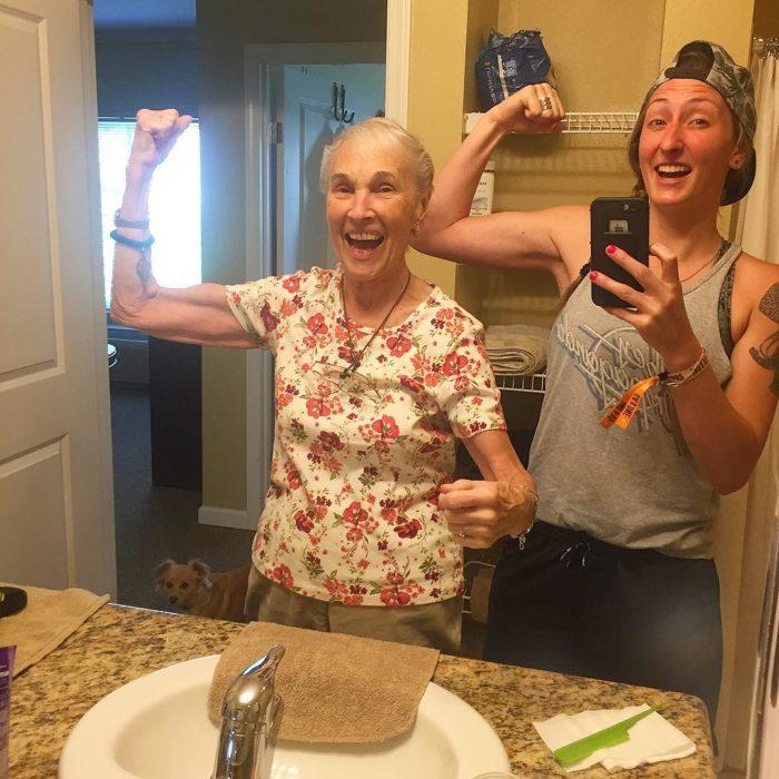 fuerza abuela y nieta