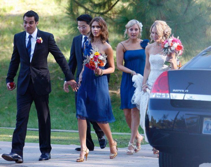 jessica dama de honor vestido azul corto