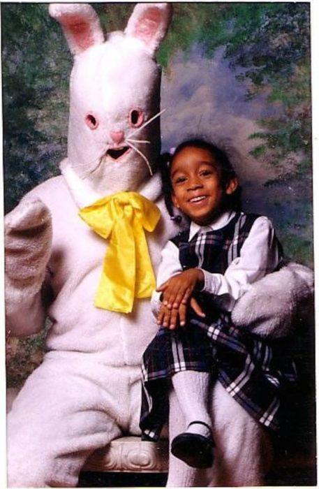 niña conejo de pascua terrorífico vintage