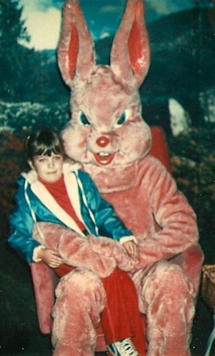 malvado conejo de pascua terrorífico vintage