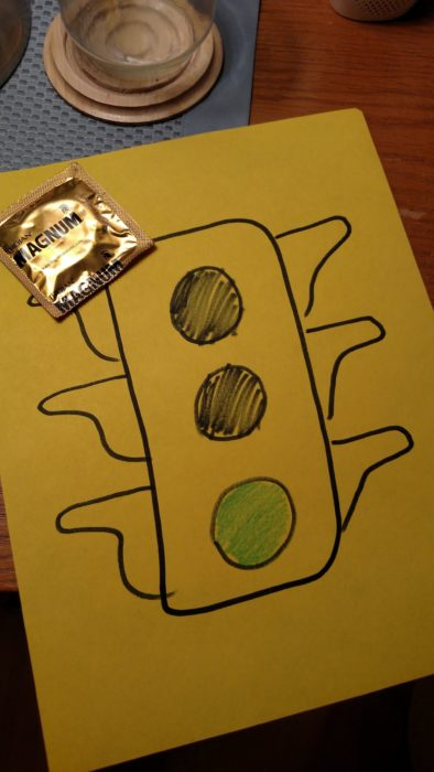 semáforo verde y un condón
