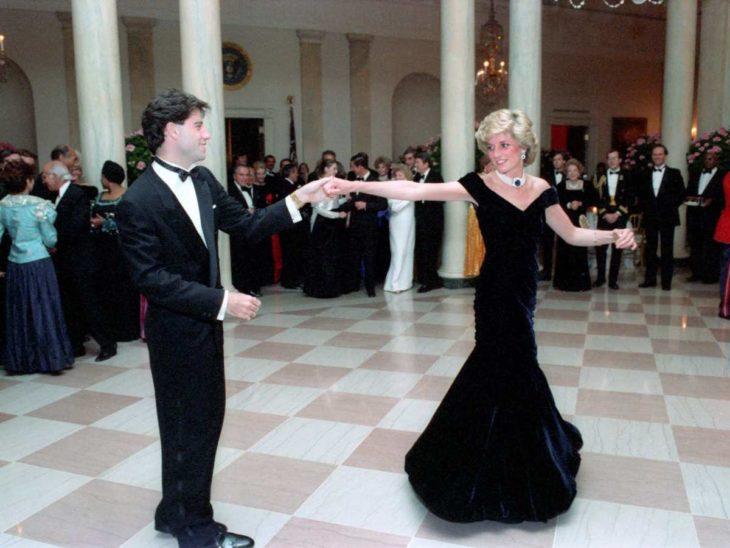 princesa Diana bailando
