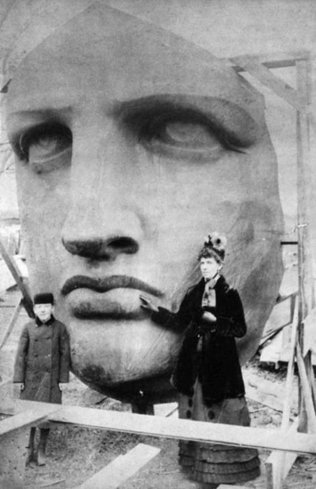cara de la estatua de la libertad