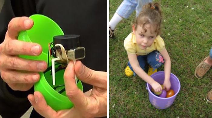 niña ciega encontrando huevos de pascua