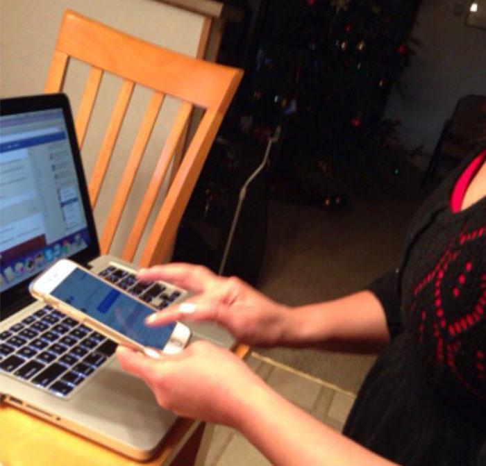 Abuelos vs tecnología - mamá mandando mensajes