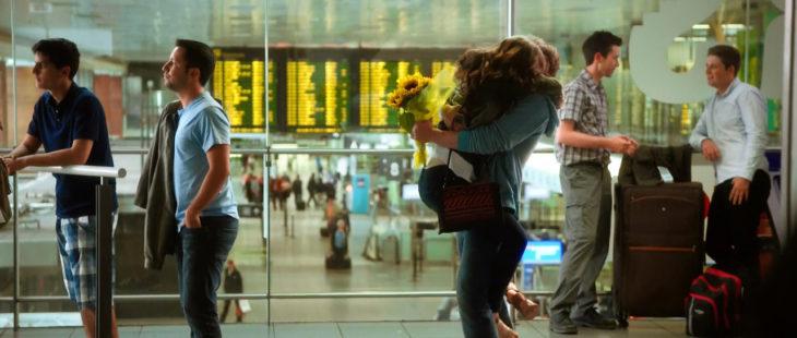 escena de aeropuerto de la película love rossie