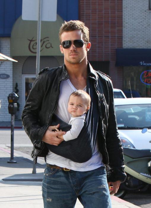 Cam Gigandet con su hija