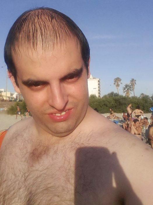 selfie de hombre calvo