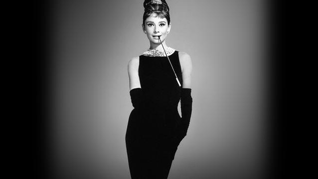 el pequeño vestido negro se Audrey