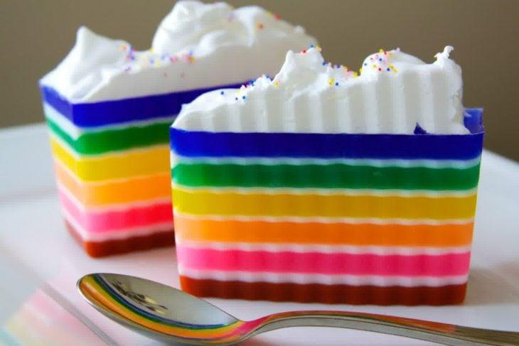 gelatina de arcoíris