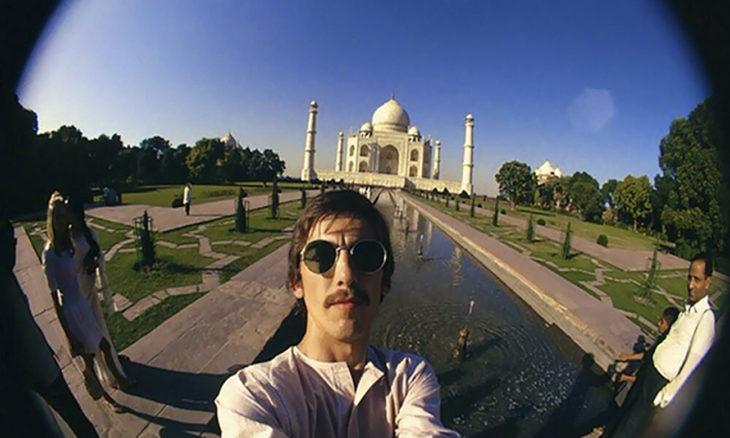 selfie de george harrison en el taj mahal 1966