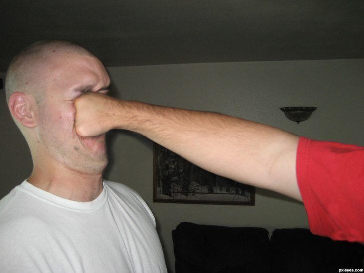 golpe en la cara