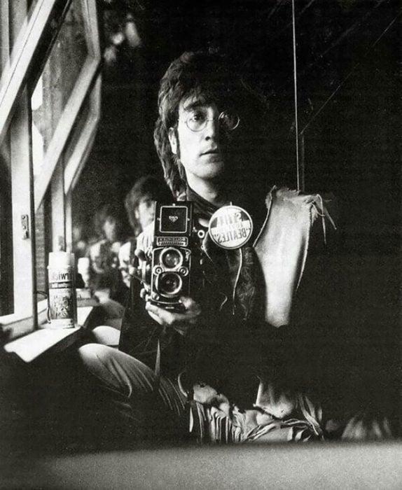selfie de john lennon 1967
