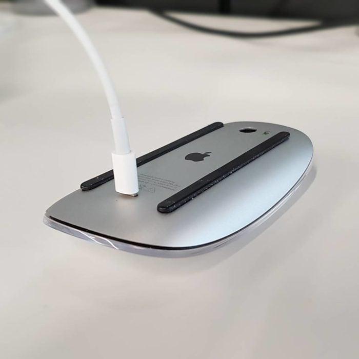 ratón de apple con cargador