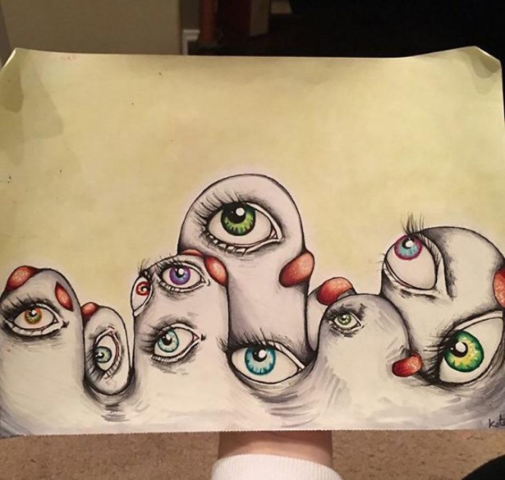 dibujo de ojos en formas curvas