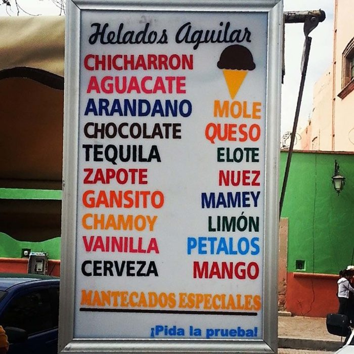 cartel de sabores extraños de helado
