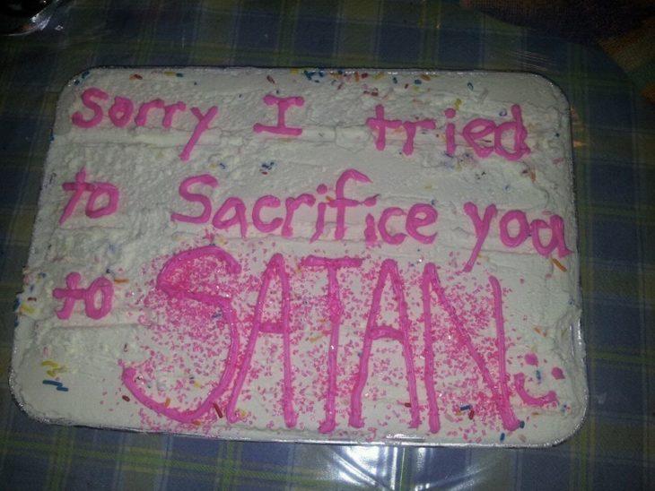 pastel qque dice perdón traté de sacrificarte a satán