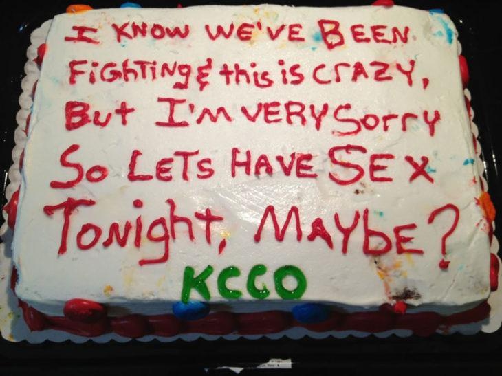 pastel gracioso de disculpas de una relación