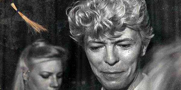 David Bowie subasta cabello