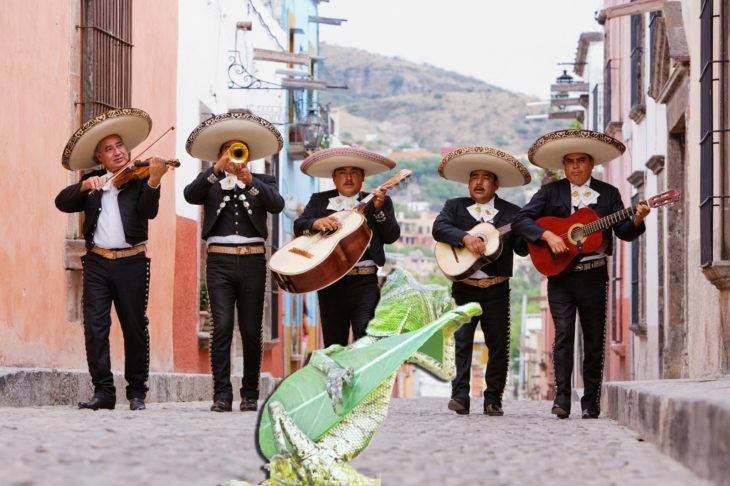 Batalla PS lagartija - con el mariachi