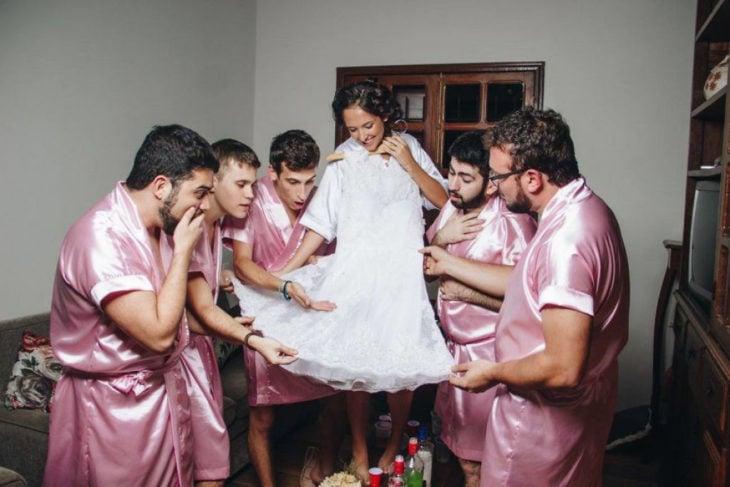 El vestido es precioso