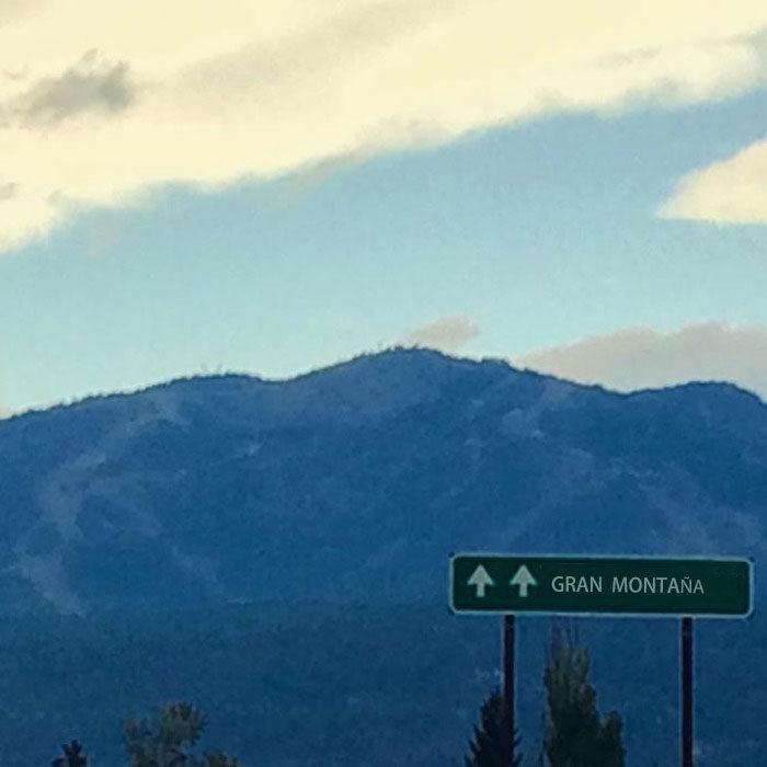 letrero de una montaña
