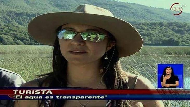 noticia sobre turista que dice que el agua es transparente