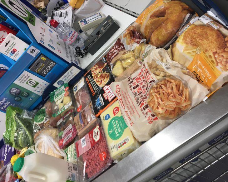 fila supermercado cajas