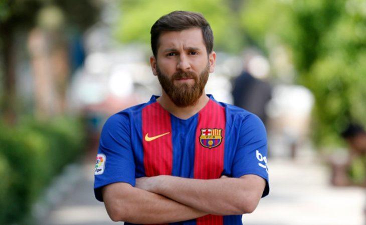El doble gemelo de messi camiseta barcelona 10