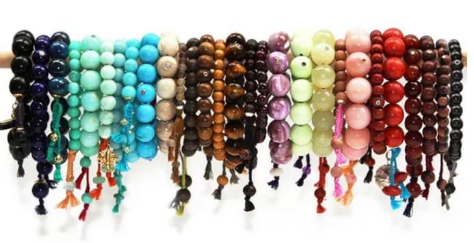 pulseras de bolitas de colores
