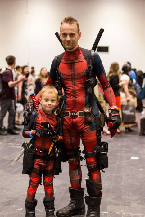 Deadpool padre e hijo cosplay