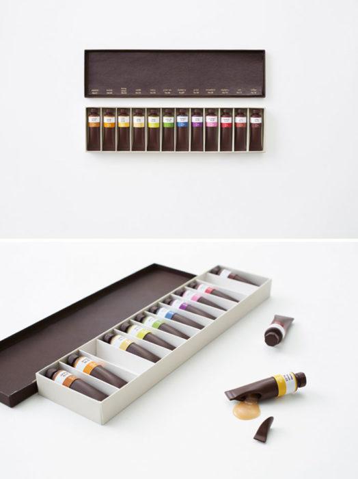 Empaque de chocolates con forma de pinturas