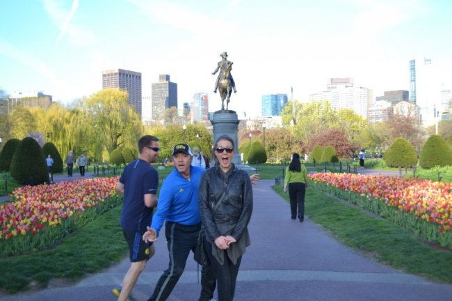 Famosos photobomb - spacey en foto en boston
