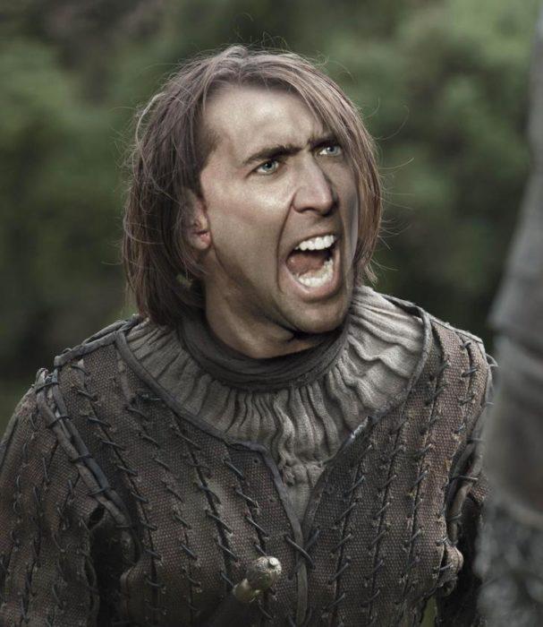 Arya Stark usando photoshop para poner la cara de Nicolas Cage