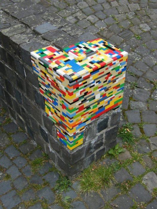 piezas de lego usadas para recostruir pilar