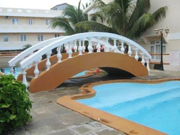puente sobre tierra firme