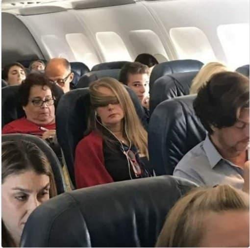 Vida en 3017 - dormir en el vuelo