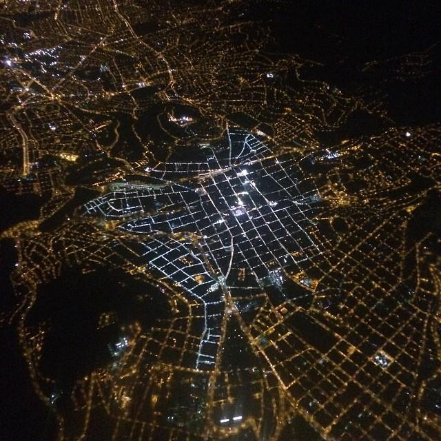 vista nocturna de Quito