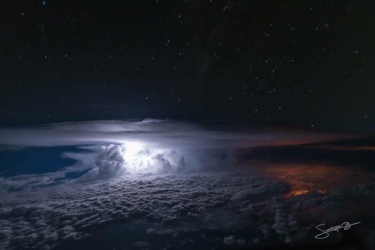 Tormenta eléctrica cerca de Guayaquil