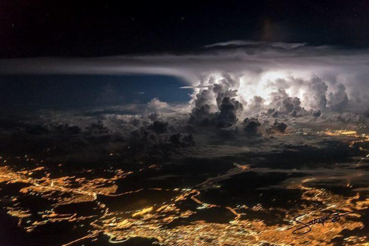 Tormenta cargada sobre la ciudad de Panamá