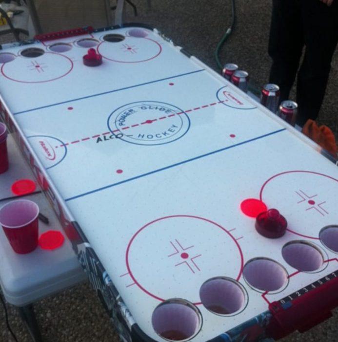 hockey sobre mesa para bebedores