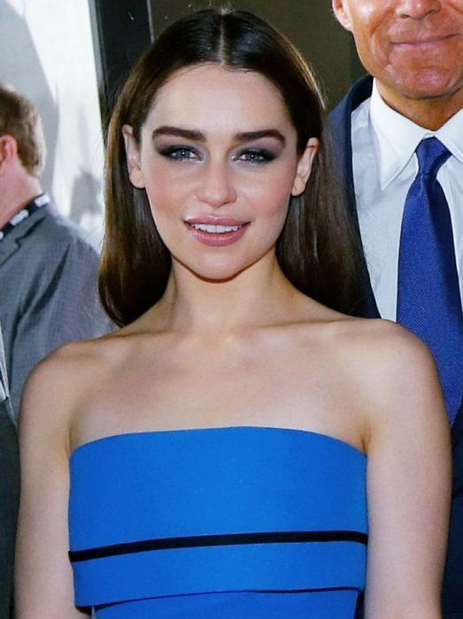 Emilia Clarke maquillaje hermosa