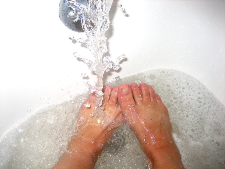 no lavar pies correctamente