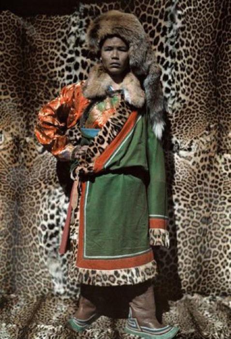 fotografía antigua de líder naxi